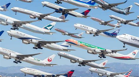 Incredible Photograph Captures 8 Hours of Plane Departures